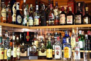 Алкогольні напої подорожчають: чергове підвищення мінімальних цін