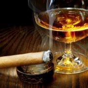 Штраф за реализацию алкоголя и табачных изделий без лицензии в розницу