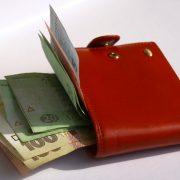 Если не выполнять нормы труда, могут не платить минимальную зарплату