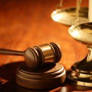 Решение суда: уплата штрафа не освобождает предприятие от устранения нарушений законодательства о труде