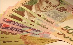 Через тимчасову відсутність бухгалтера не можна затримувати аванс та зарплату