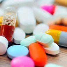 За продаж ліків дітям штрафуватимуть: Рада підтримала законопроєкти