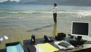 Керівник у відпустці: як підписувати документи