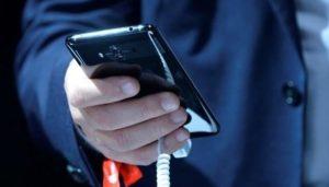 Использование работником корпоративного мобильного номера в личных целях: учет и налогообложение