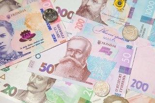 Верховная Рада приняла за основу закон, который увеличит прожиточный минимум до 40–50% средней зарплаты